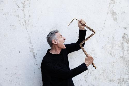 Tim Weisberg and a bent flute